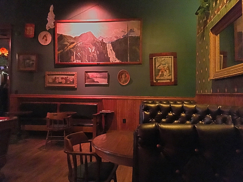 Boise Travel Guide - Pengilly's