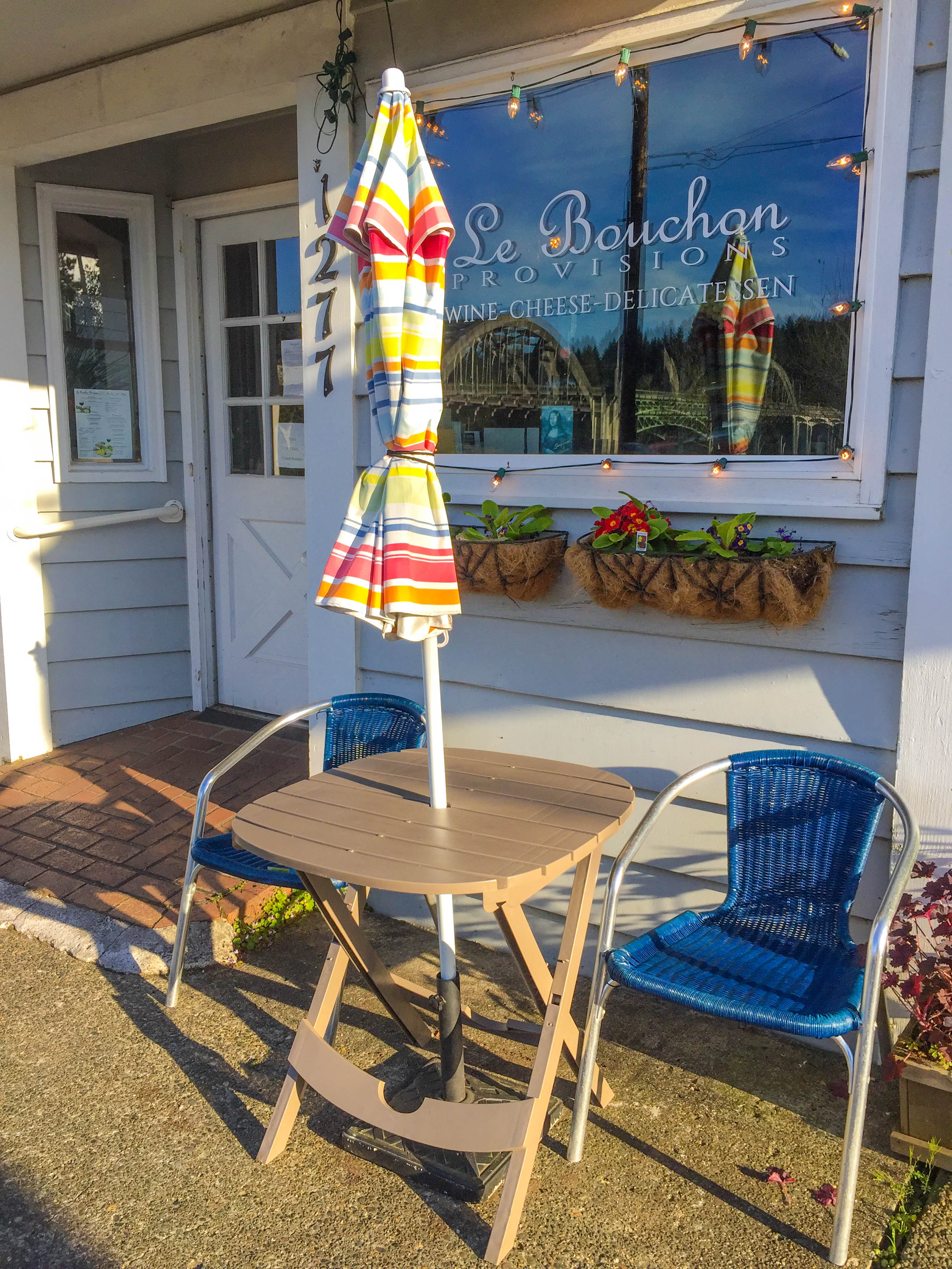 Guide to Florence Oregon: Le Bouchon