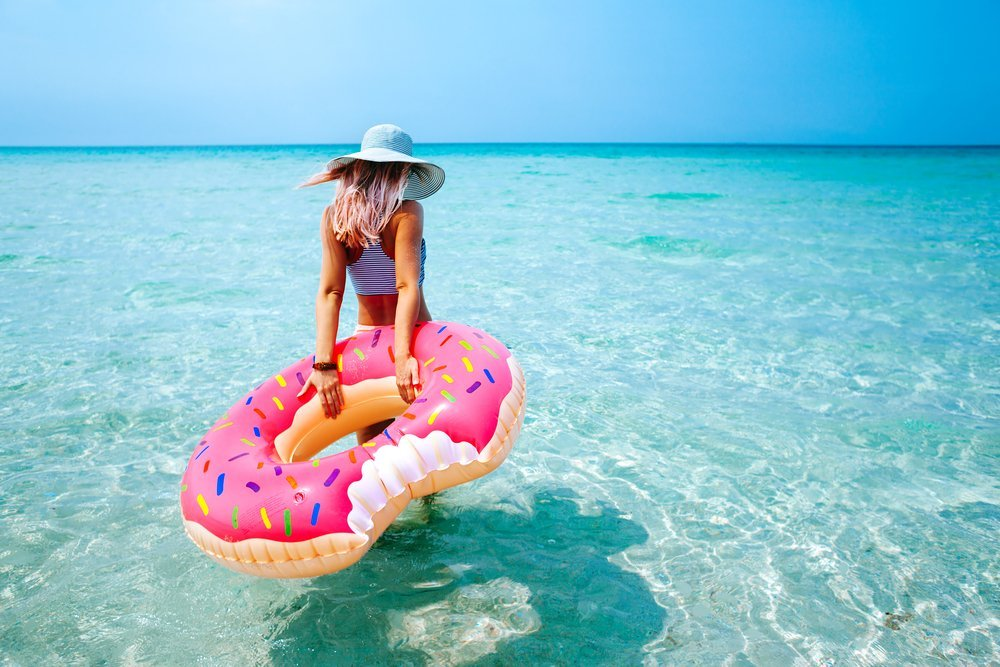 Donut Pool Float - The most Instagram worthy Pool Floats Summer 2017