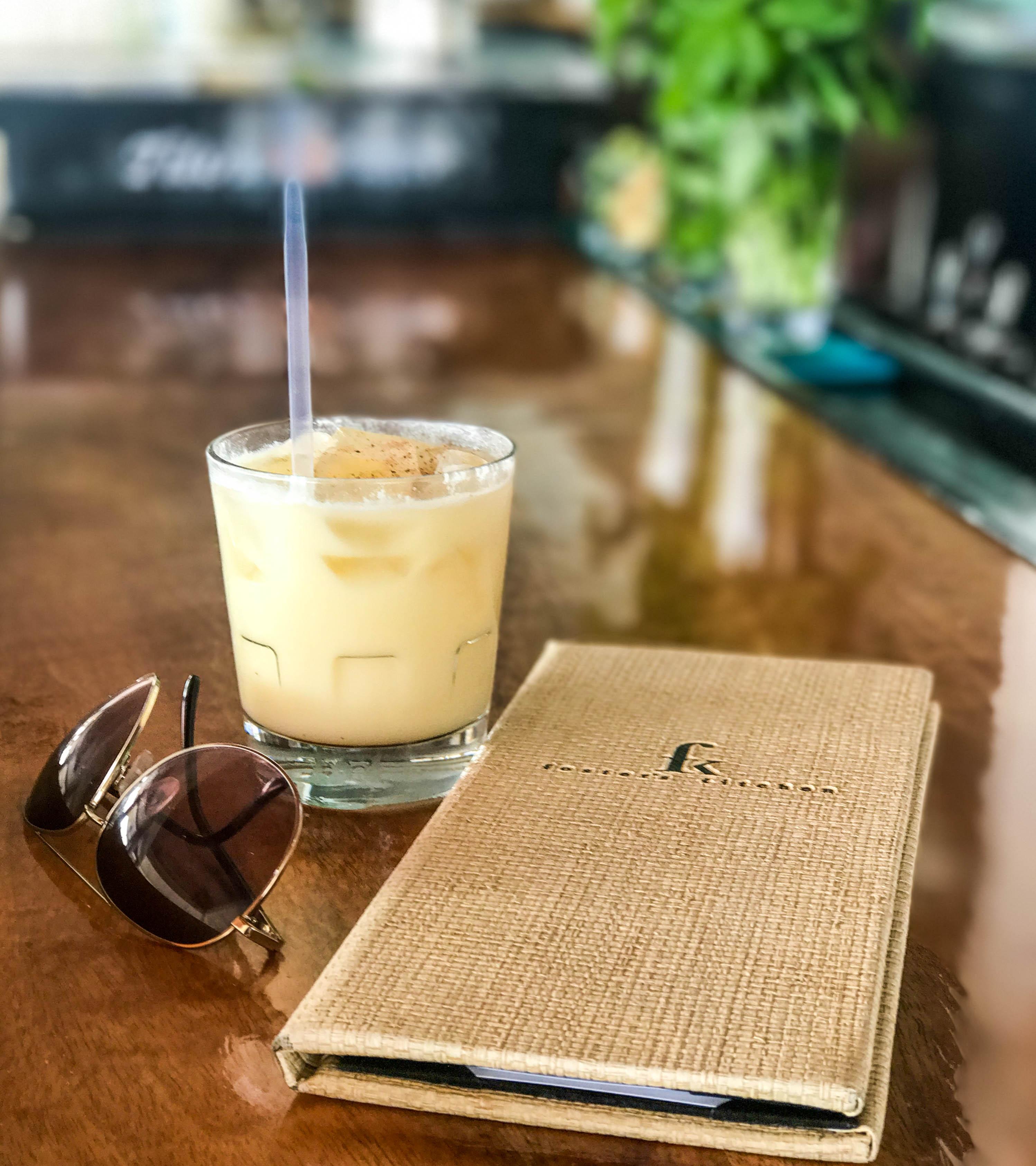 Foster's Kitchen: The Best Bars in Kona, Hawaii