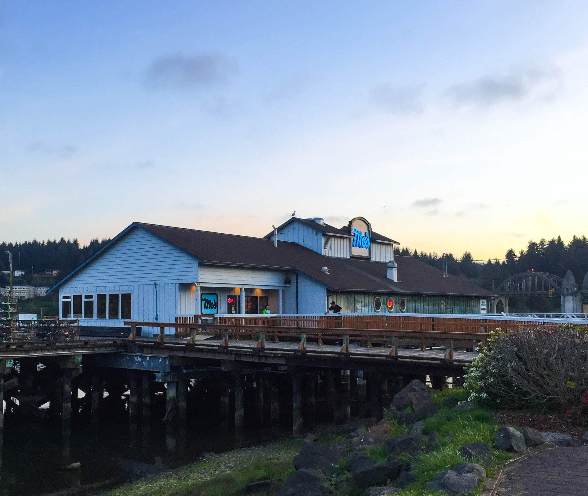 Guide to Florence Oregon: Mo's