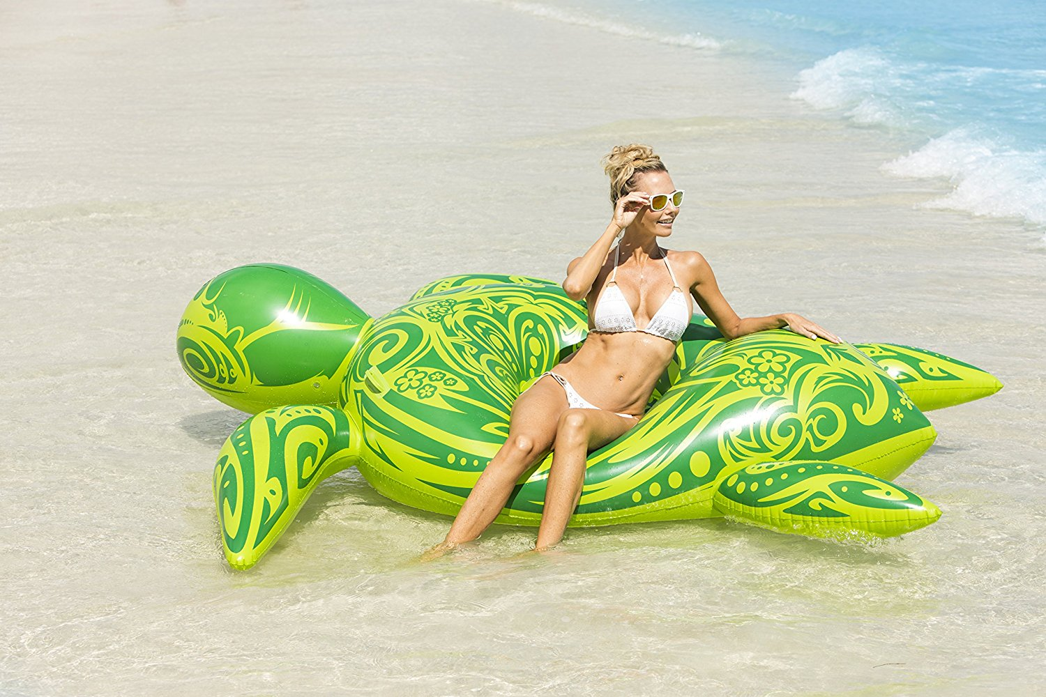 Sea Turtle Pool Float - The most Instagram worthy Pool Floats Summer 2017