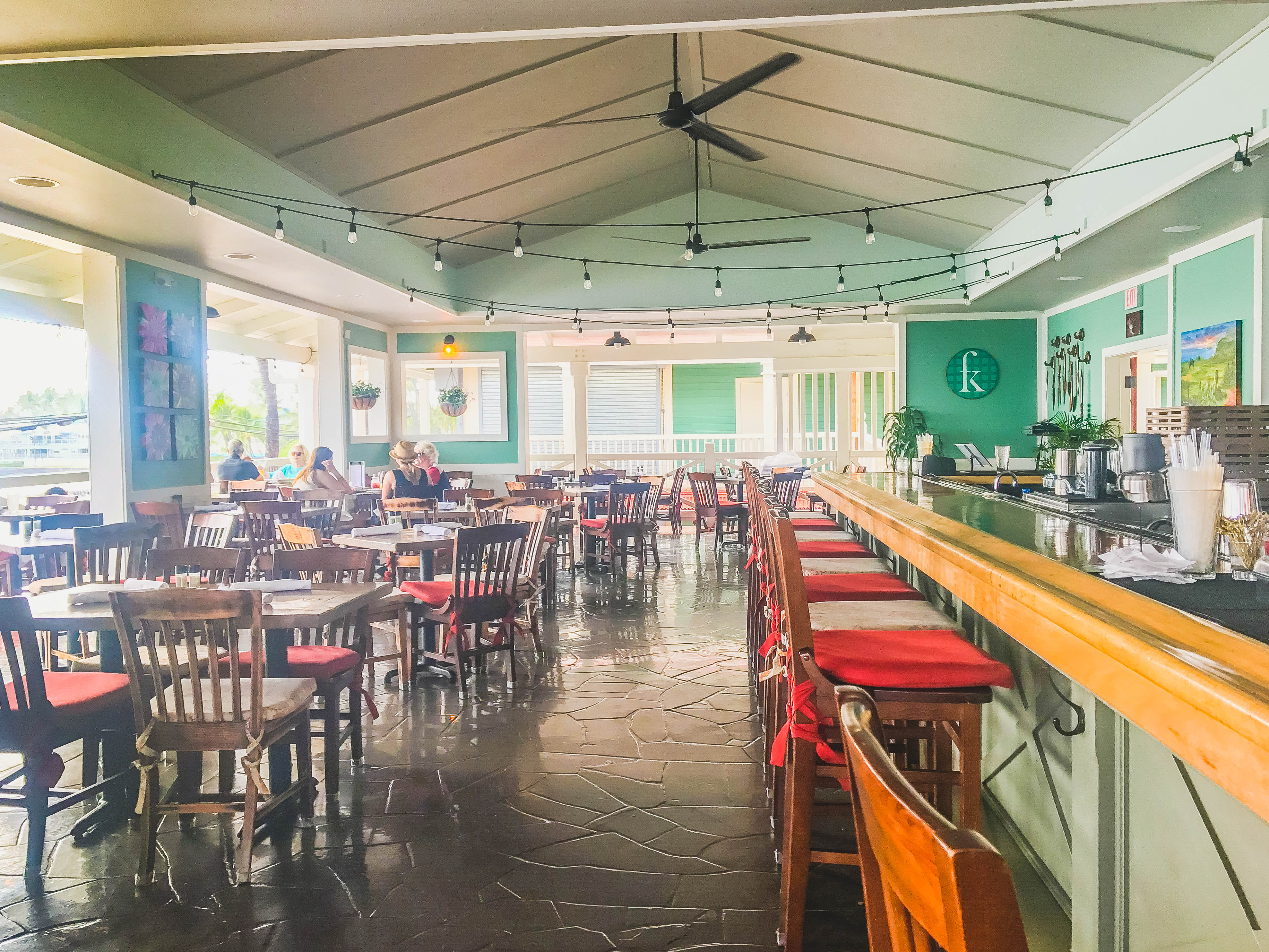 Kitchen: The Best Bars in Kona, Hawaii