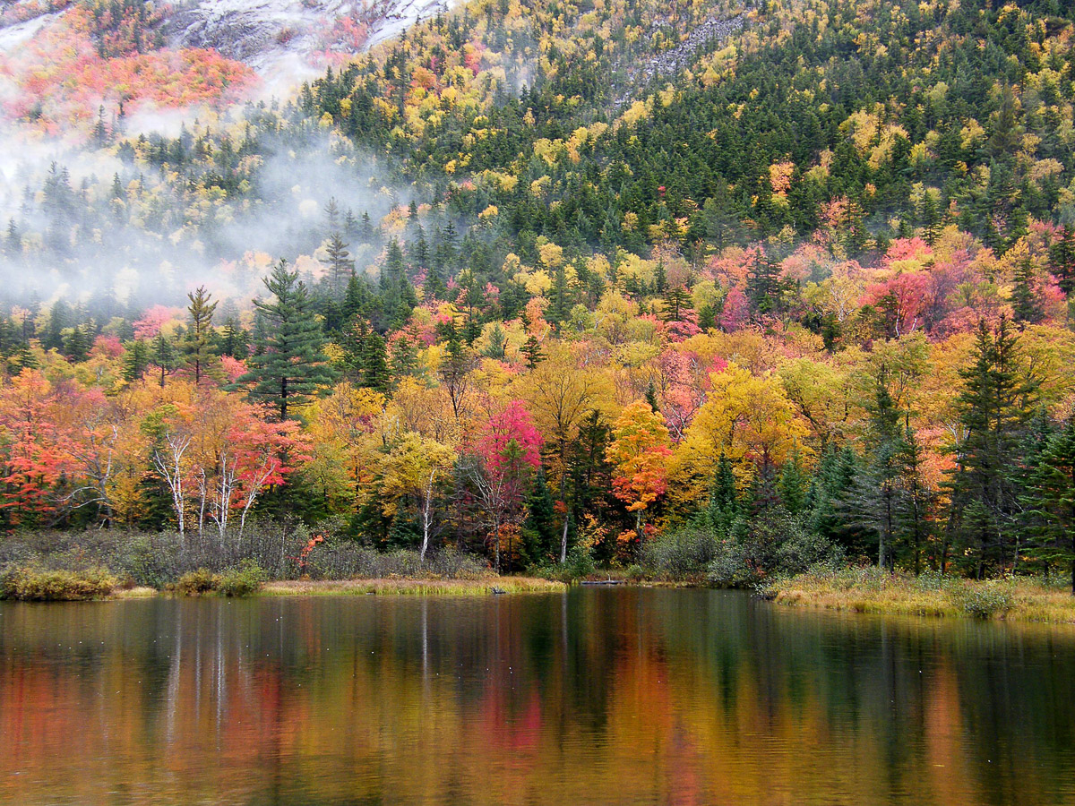 The Best Fall Foliage in the US - New Hampshire
